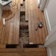 Restauration d'un parquet à lames anglaises